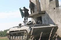 Vojáci útočili na bojová vozidla pěchoty