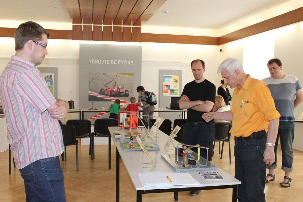 Nebojte se fyziky hlásá interaktivní výstava, která je v současnosti přístupná v Muzeu Vyškovska.