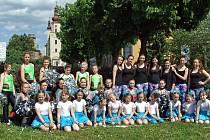 Sportovní vyžití nejen pro dívky nabízí ivanovický taneční klub Dance Flow složený ze čtyř skupin. V současné době ho ale tvoří samá děvčata, chlapce by mezi sebou ráda uvítala.