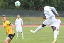 V posledním utkání tohoto ročníku Moravskoslezské ligy remizovali fotbalisté MFK Vyškov (bílé dresy) s FC Odra Petřkovice 3:3.