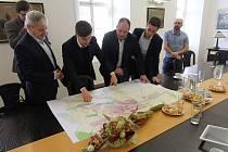 Jednání o bučovickém obchvatu se zúčastnil i starosta Bučovic Jiří Horák.
