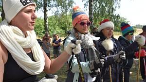 Letní běh na lyžích s kulichem vznikl jako protest. Děti si neměly kde hrát