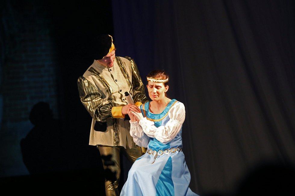 Generace slavkovkých ochotníků se na pódiu střídají už 150 let.