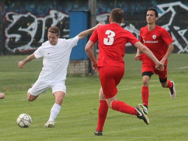 Fotbalisté Bučovic při zápase. Ilustrační foto.