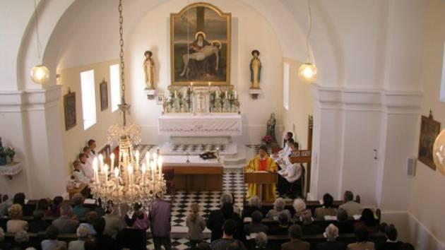Původní oltář s obrazem se dočká zrestaurování.