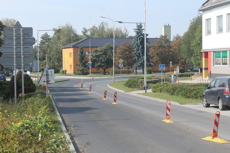 Opravovaný průtah silnice I/47 v Ivanovicích na Hané.