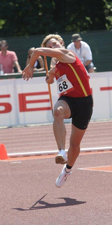 Špotáková závod brala jako test technických fines v rozběhu a v technice, pětkrát se nedostala za hranici 60 metrů, ale v posledním pokusu se vzepjala.