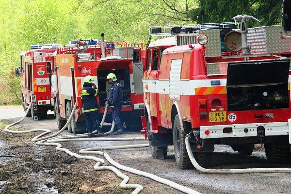 Taktické cvičení hasičů zJihomoravského a Olomouckého kraje ve Vojenském újezdu Březina uVyškova.