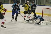 Play off, krajské ligy, 1. zápas: Velká Bíteš (ve žlutém) vs Vyškov