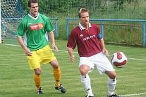 Dědický útočník Ivo Sigmund (vpravo) už na jaře za mužstvo Dědic hrát nebude. Míří totiž se spoluhráčem Romanem Lžičařem do Rakouska.