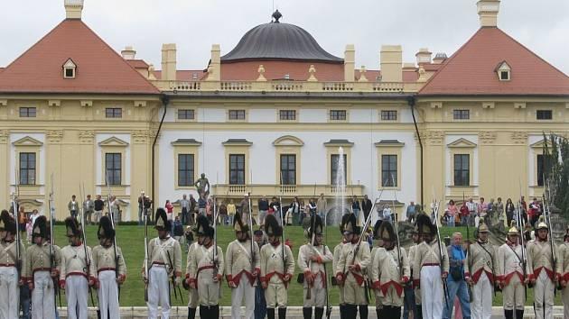 Nástup rakouských vojáků.