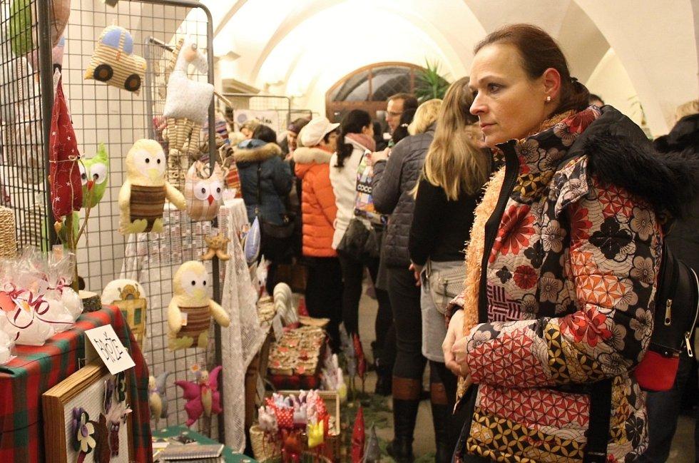 Přízemí Domu umění zaplnily opět výrobky žen Patchworkového klubu Znojmo.