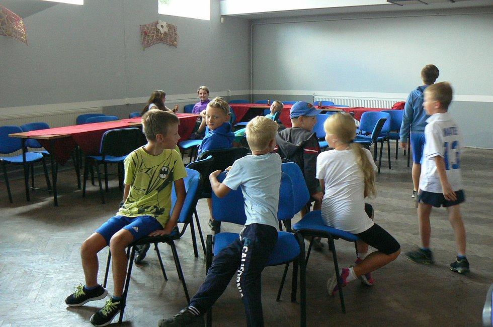 Letos již počtvrté pořádali ve Vážanech nad Litavou přívesnický tábor.