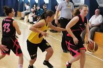 V posledních zápasech oblastního přeboru II. třídy porazily basketbalistky BK Vyškov družstvo BK Blansko 52:43 a 62:40.