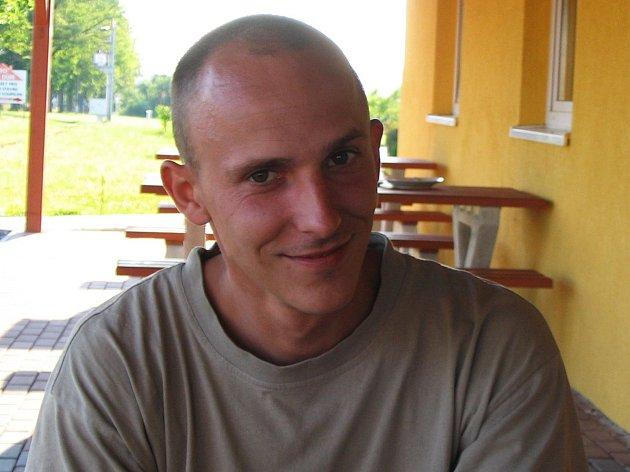 V Ostravě, Kroměříži a Otrokovicích pomáhal bučovický voják Vladimír Jabůrek po povodních v roce 1997.
