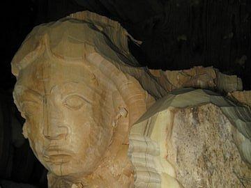 Miroslav Minks z Velké nad Veličkou na Hodonínsku restauruje rousínovskou sochu Madony už několik měsíců. Zároveň pracuje i na její kopii.