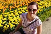 Kristýna Jankovičová je učitelka na základní škole. V době koronavirové nakupuje důchodcům nebo roznáší roušky.
