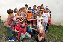 Děti se bavily na příměstském táboře nazvaném Artušovi zbojníci.