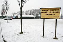 Parkoviště před vyškovským zooparkem se rekonstrukce nedočká.