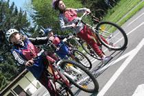 Na dopravním hřišti ve Vyškově se v úterý odehrálo okresní kolo soutěže mladých cyklistů, které se zúčastnilo čtyřiašedesát dětí z devíti základních škol Vyškovska.