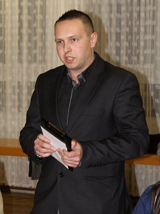 Na mimořádné valné hromadě Okresního fotbalového svazu Vyškov delegáti zvolili nový výkonný výbor a jeho předsedu, jímž se stal Ondřej Šišma.
