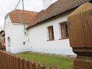 Opravenou usedlost v Kučerově ocenil Národní památkový ústav.