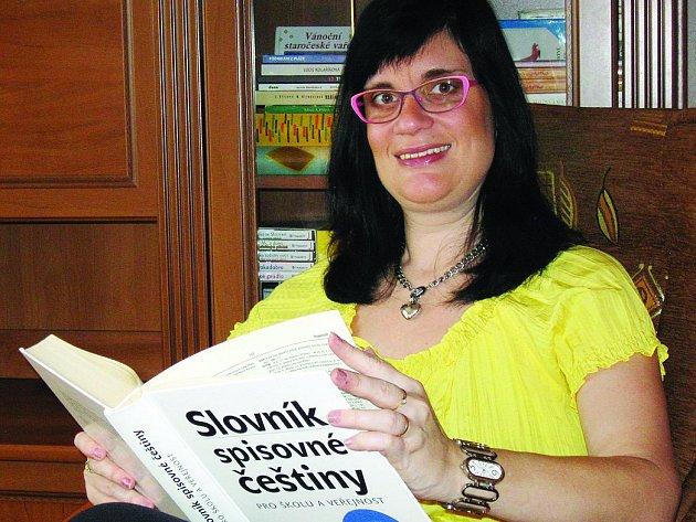 Vyškovanka Erika Hanáčková přibližuje lidem češtinu zábavnou formou.