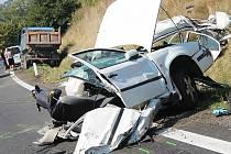 Při nehodě u Holubic zemřela jednadvacetiletá dívka.