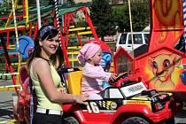 Lunapark, koncert dechové hudby a výstava dětských obrázků. Lákadla, která doprovázela dopolední jarní trhy, které pořádalo město Ivanovice na Hané.
