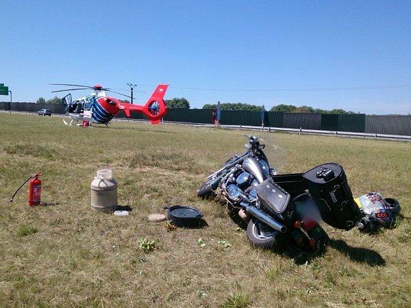 Spolujezdkyně motorkáře se těžce zranila uVyškova.
