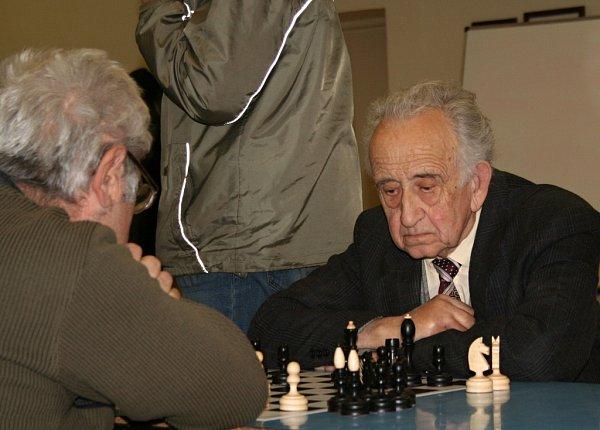 Nestor šachu na Vyškovsku Miroslav Jandl oslaví vpříštím roce čtyřiaosmdesáté narozeniny.