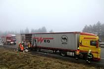 Hořící náklad museli ve čtvrtek před půl osmou ráno likvidovat hasičské jednotky z Vyškova, Slavkova u Brna a Pozořic.