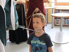 Jako každý rok i letos rytíř v Knihovně Karla Dvořáčka ve Vyškově pasoval prvňáčky na čtenáře.