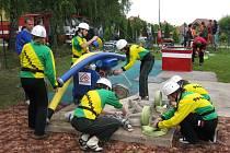 Habrovanský sbor dobrovolných hasičů nemá problémy se získáváním mladých členů. Tento snímek vznikl na sobotní soutěži v požárním útoku v obci.