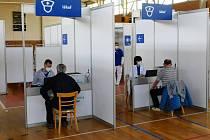 Očkovací centrum funguje ve sportovní hale při Základní škole Purkyňova ve Vyškově.