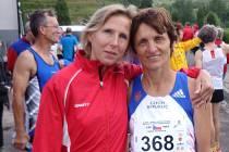 Marie Hynštová (vpravo), běžecká opora AK Drnovice.