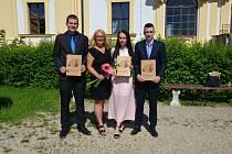Ohlédněte se s námi za předáváním maturitních vysvědčení a výučních listů studentům Integrované střední školy Slavkov u Brna.