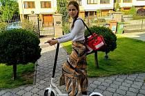 Jitka Švejnohová pracuje na Charitě Vyškov jako pastorační asistentka, sestřička domácí hospicové péče a koordinátorka dobrovolníků.