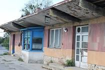 Areál bývalého nábytkářského gigantu UP v Bučovicích chátrá.