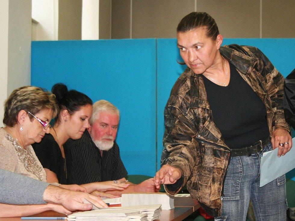 Také na Vyškovsku odstartovaly úderem páteční druhé hodiny odpoledne volby do Poslanecké sněmovny.