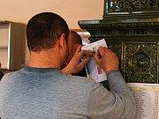 V Olšanech se lidé už pojedenácté setkali na koštu slivovice. O kvalitní vzorky nebyla nouze. Leckteří mezi nimi dokonce ani nemohli poznat ty své.