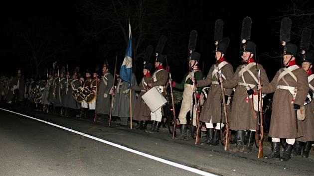 Jednotky vojáků při pietním aktu v Křenovicích na Vyškovsku.