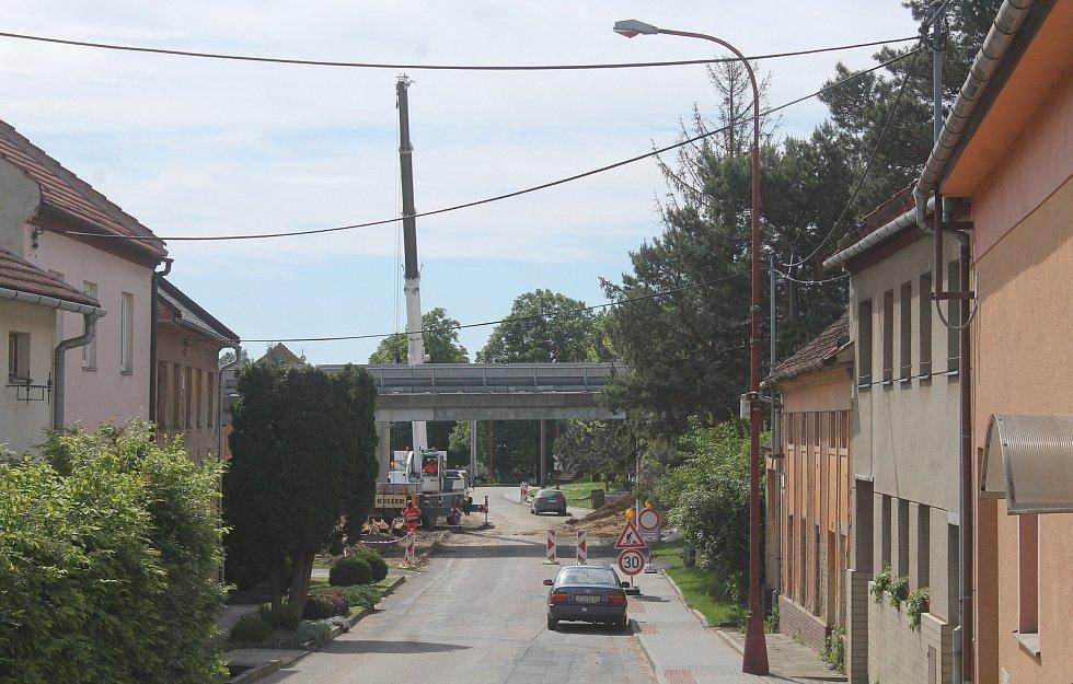 Práce související s úpravami na blízké dálnici D46.