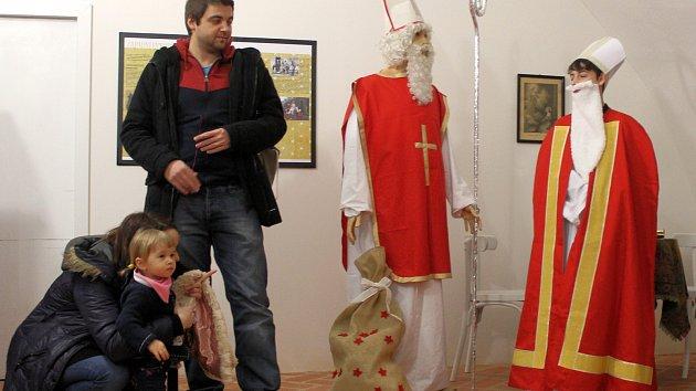 Vánoce ve světě: na oživené prohlídce zaujala hlavně italská čarodějnice Befana