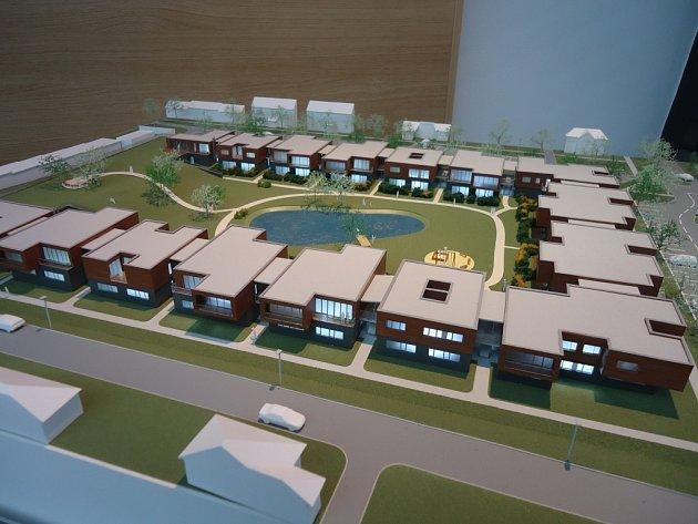 Model bytového komplexu, který chce společnost SKR Stav postavit na území Kaunicova dvora ve Slavkově.