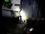 V poli u dálnice D1 na úrovni vyškovských Brňan skončil v neděli okolo půl páté ráno svou jízdu kamion se zahraniční poznávací značkou. Při havárii z něj unikla část nafty, a tak na místo vyrazily dvě jednotky profesionálních hasičů.