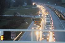Kolony se v pondělí v podvečer tvořily na dálnici D1 kvůli hromadné nehodě u Vyškova.