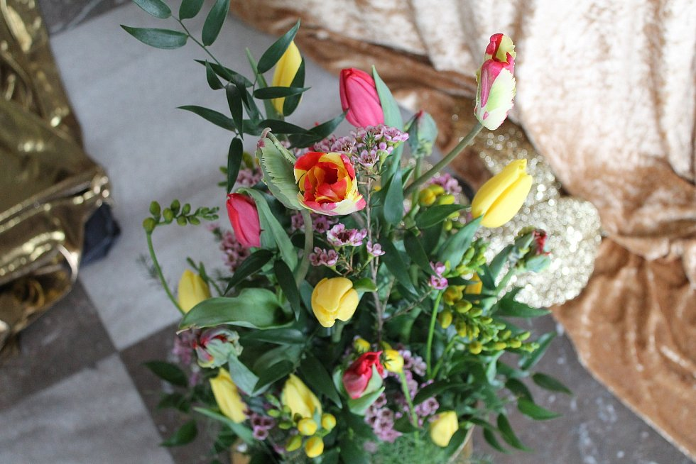 Na zámku v Bučovicích začala sezona. Tradičně výstavou květin.