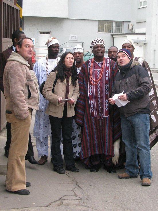 Na přátelskou návštěvu do Vyškova přijel král Lagosu Oba Adebayo Oluwagbohun Adetunji se svým synem a s delegací.