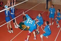 Volejbalisté TJ Holubice splnili předsezónní cíle, když vyhráli krajský přebor a postoupili do druhé ligy. Splnili tak sen svého trenéra Arnošta Šmerdy, který v klubu působí už šestačtyřicet let.